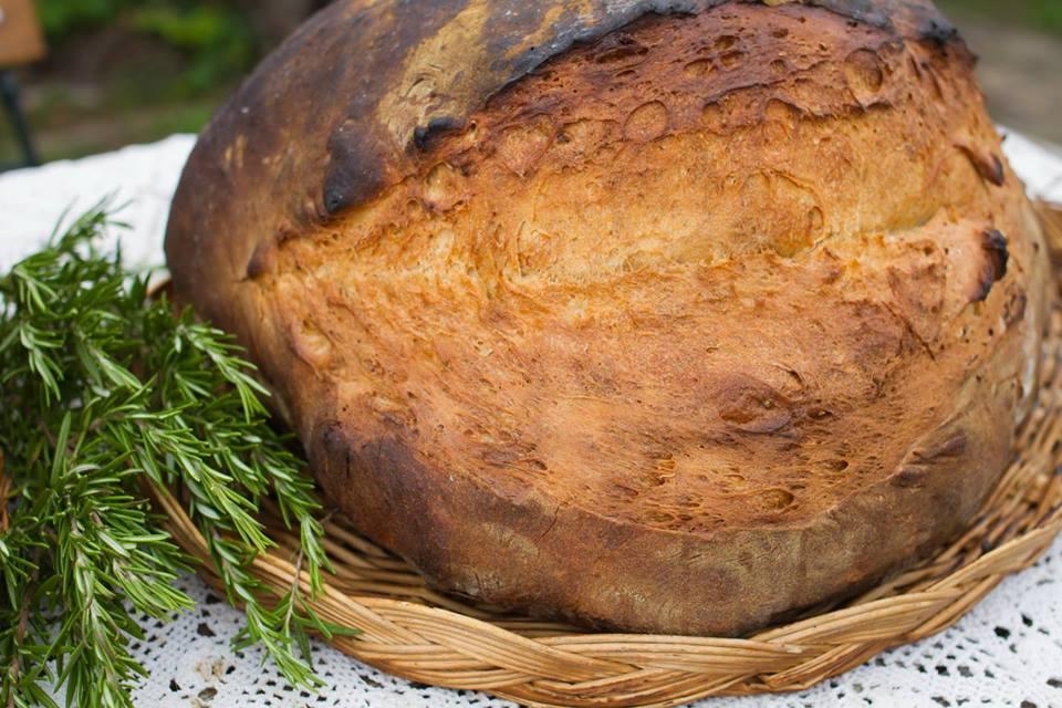 Áldással sült kenyér