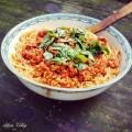 olasz-paradicsomos-spagetti-fustotlszalonnahus-martas-bazsalikom
