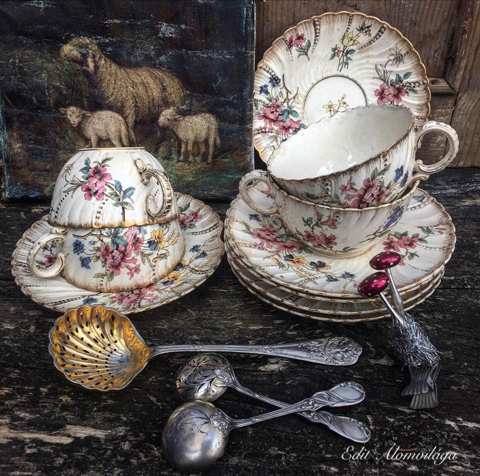 bárányos kép porcelánnal