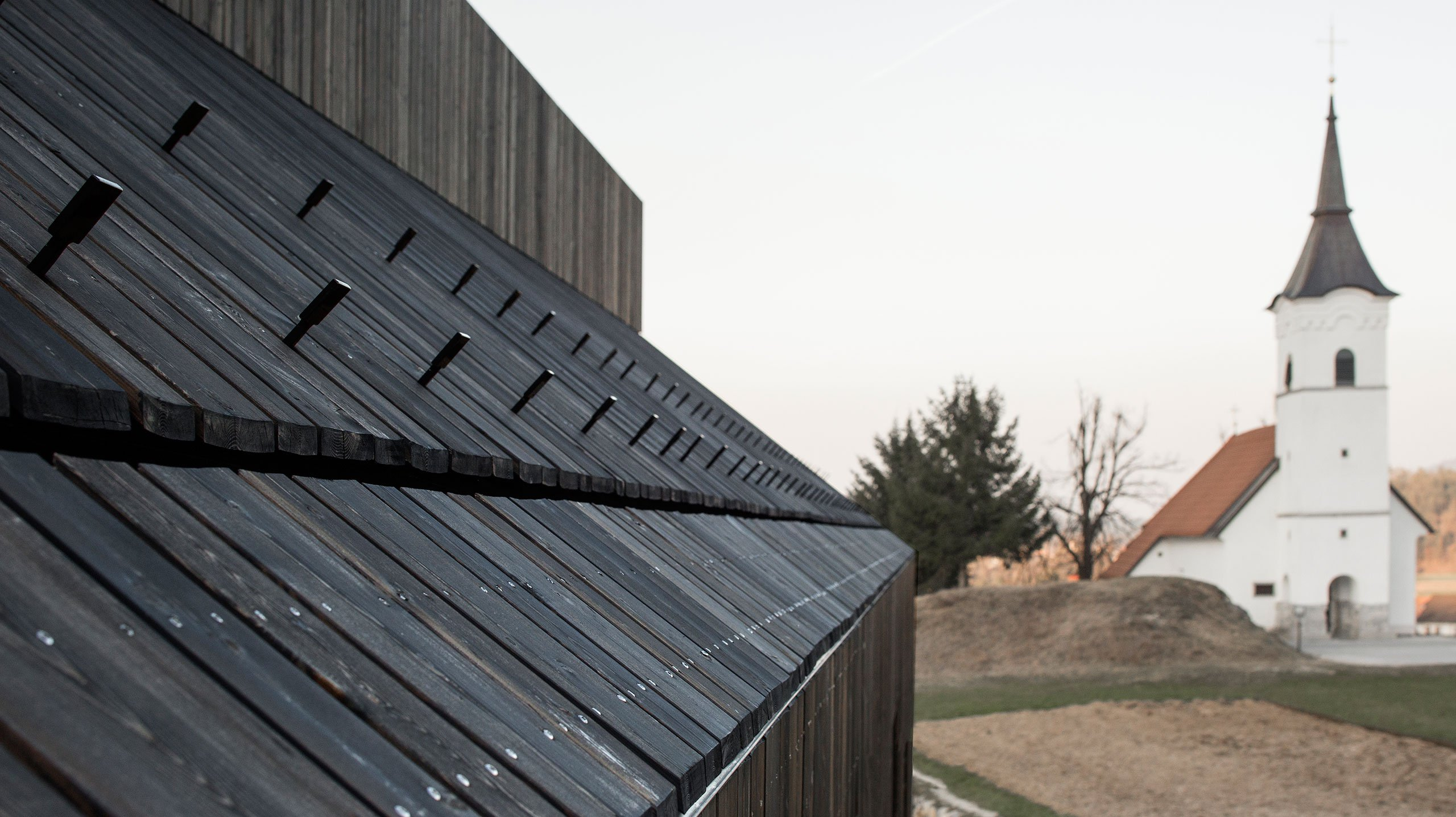 p4_chimney_house_logatec_slovenia_dekleva_gregoric_architects_yatzer