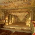 zamek-cesky-krumlov---v.-zamecke-nadvori---pohled-do-interieru-zameckeho-barokniho-divadla-z-loze