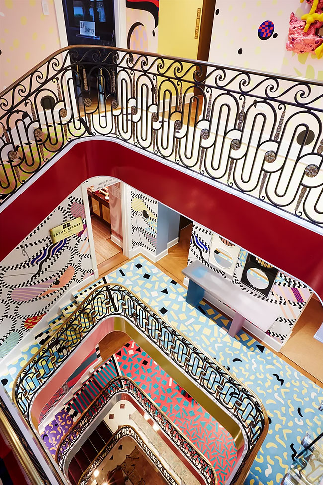 Sasha-Bikoff-Creates-The-Funkiest-Staircase-Ever2