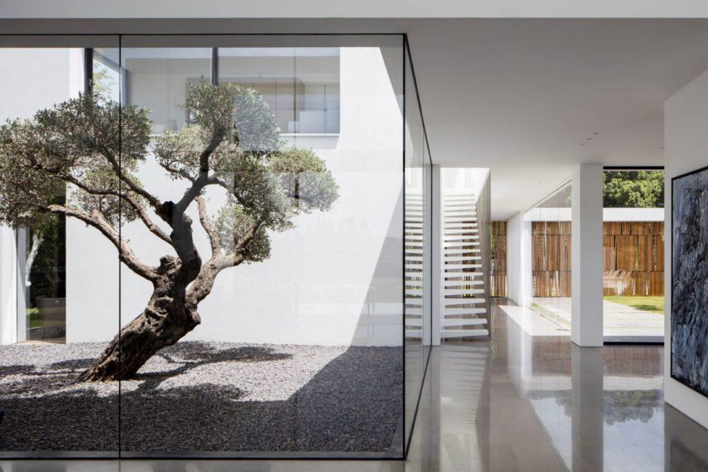 F-house-in-Savyon-Israel-by-Pitsou-Kedem-7-1024x683