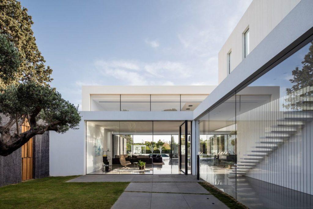 F-house-in-Savyon-Israel-by-Pitsou-Kedem-9-1024x683